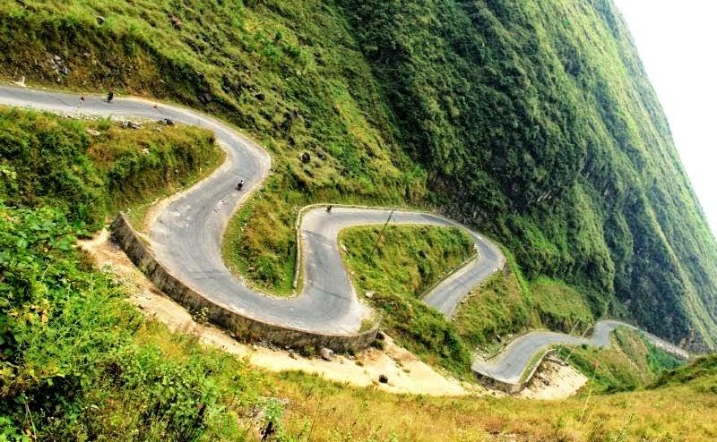 Top 10 Vietnam's Most Dangerous and Spectacular Passes