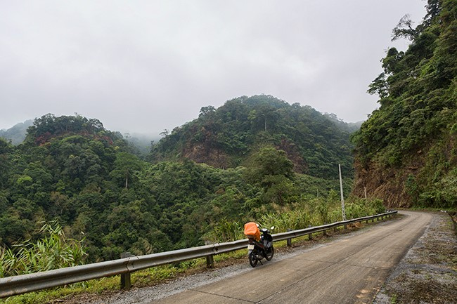 Most Attractive Vietnam Motorbike Tours Tackle Ho Chi Minh Trail on one Week.