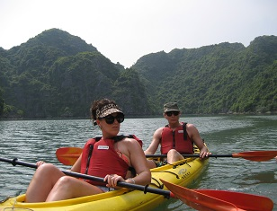 Kayaking in Halong & Lan Ha bay