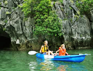 Trekking Cat Ba National Park & Kayaking Halong